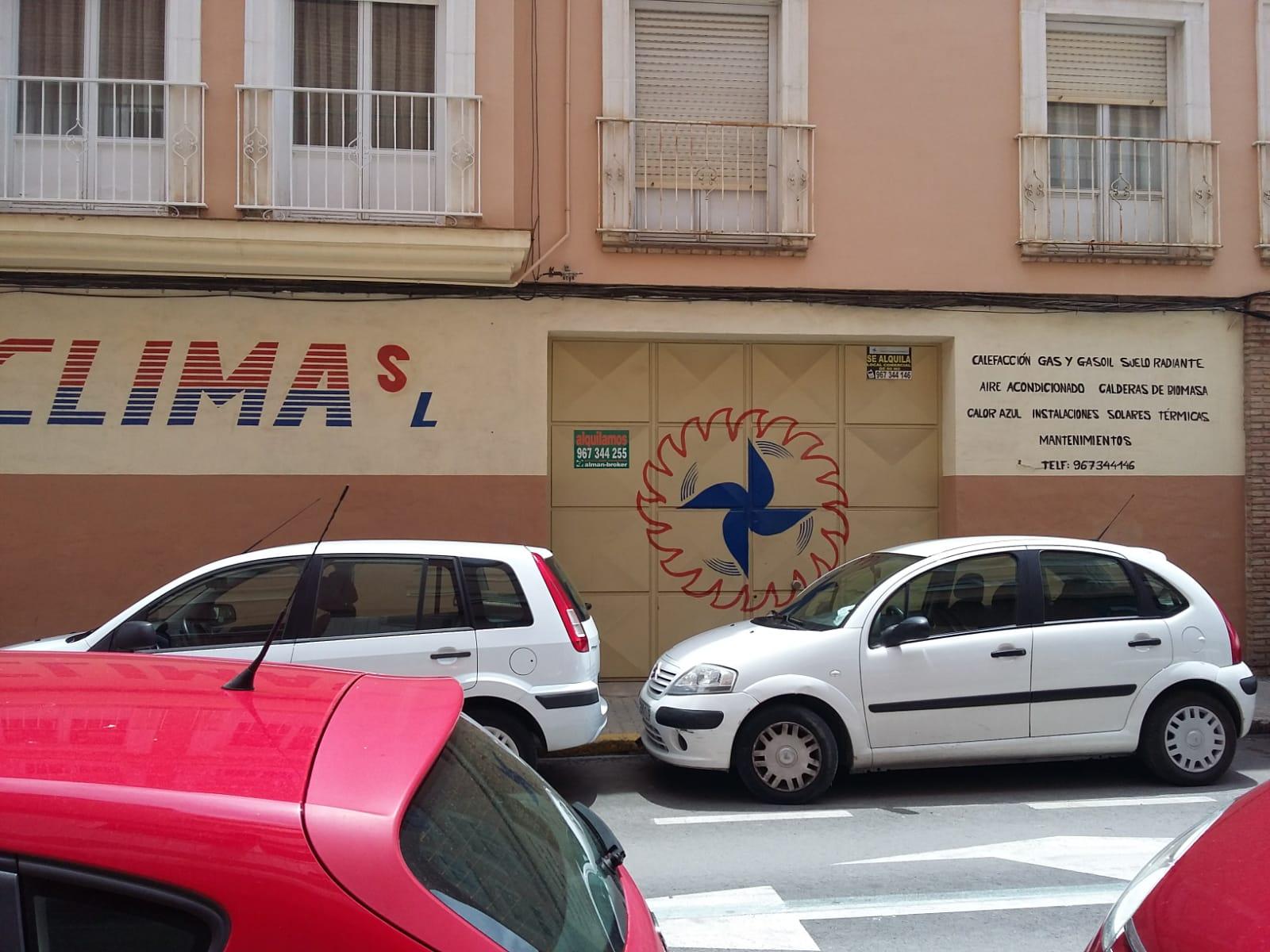 Local en Calle Valencia